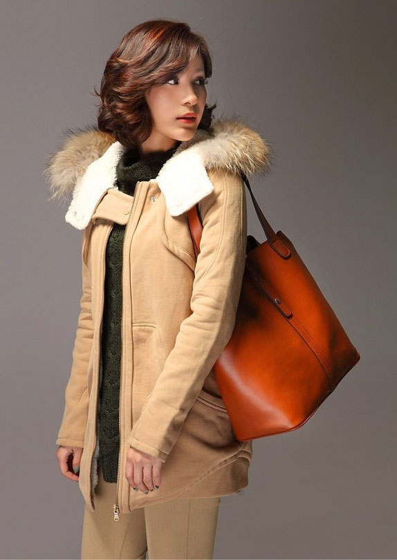 Collette Bag with Model